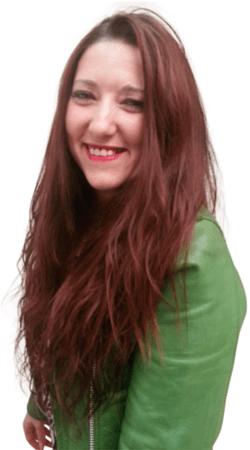 Cindy Vranken lachend van opzij